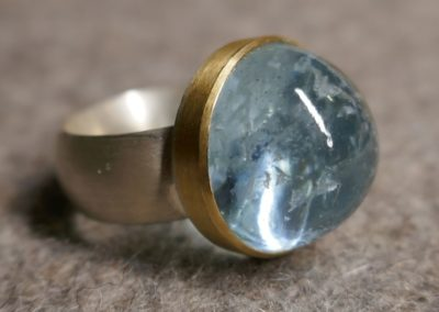 Aquamarinring, Silber, Fassung in Gelbgold